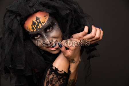 scary halloween braut mit concept scary