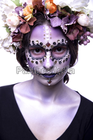 halloween model with rhinestones and wreath