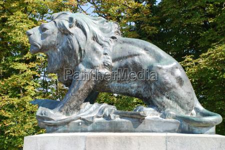graz styria schlossberg loewe monument major