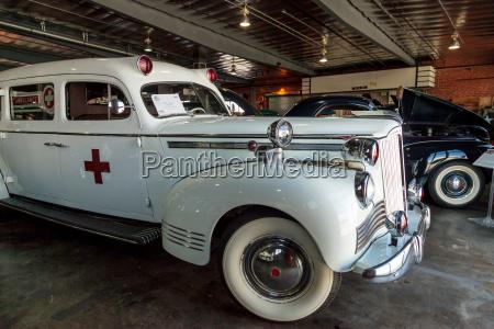 weisser packard krankenwagen 1942
