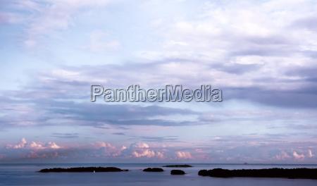 ostsee bewoelkte himmel aus espoo finnland