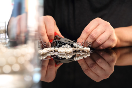 schmuckherstellung gewindeschneiden perlen