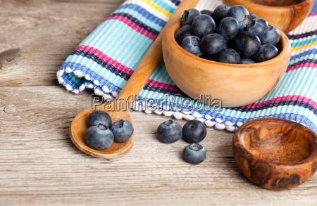 blueberry sul tavolo di legno rustico
