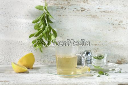 glass of fresh peppermint tea