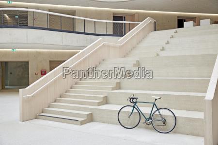 treppe treppen modern moderne fahrzeug vehikel