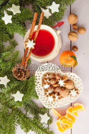 tasse tee und plaetzchen