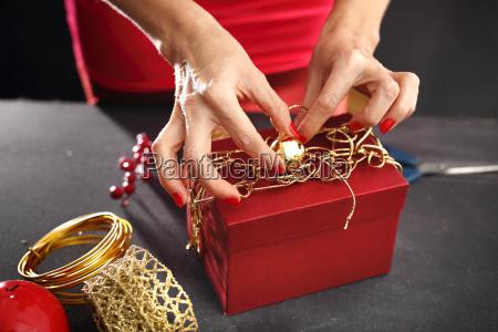 verpacken der geschenke