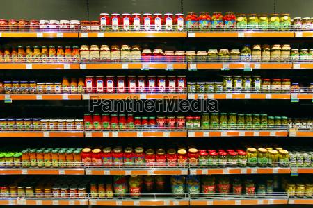 dosen von gurken tomaten und andere