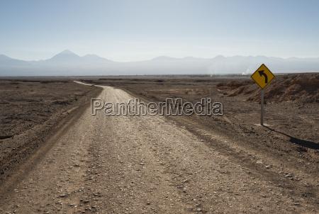 road towards valle de la luna
