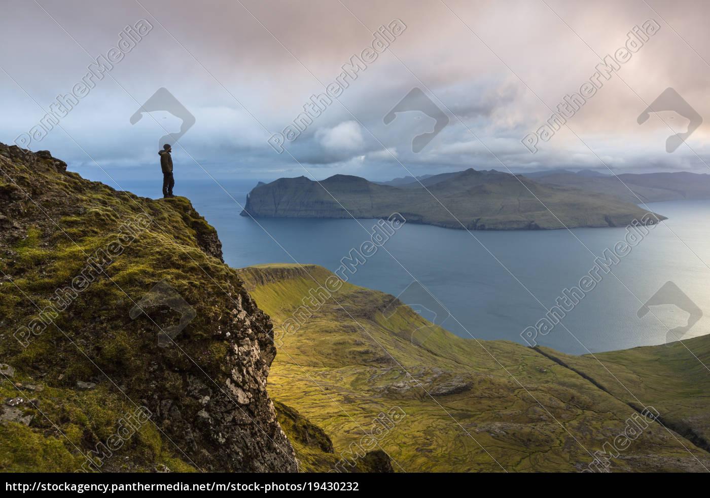 sornfelli, , vagar, island, in, background, , faroe - 19430232