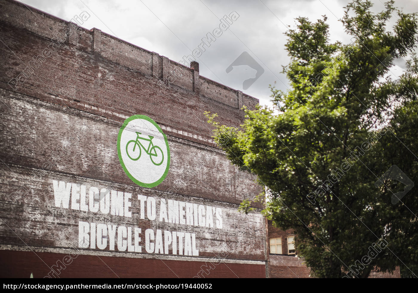 wooden, sign, welcome, to, america's, bicycle - 19440052