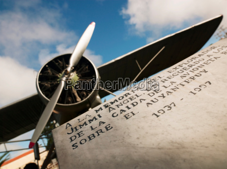 denkmal monument propeller horizontal transport transportieren