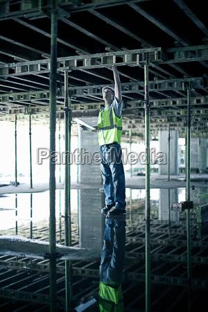 balken reflexion stahl outdoor freiluft freiluftaktivitaet