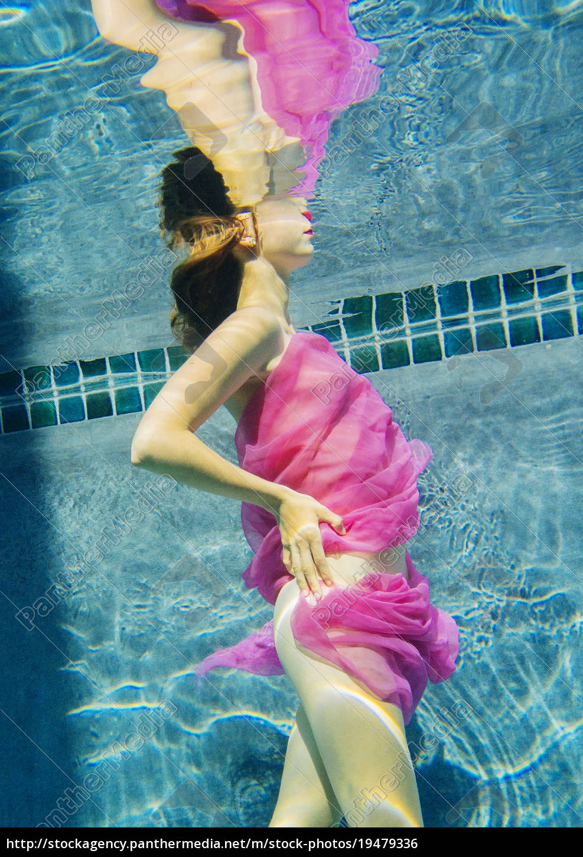 frau, drapiert, in, stoff, schwimmen, halbnackt - 19479336