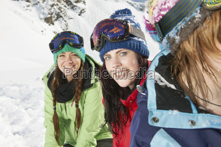 female friends wearing skiwear kuhtai austria