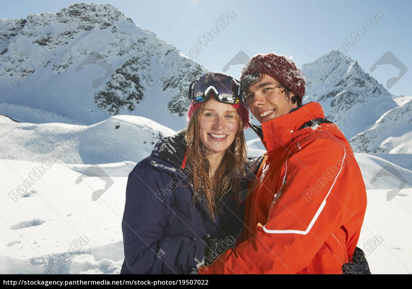 paar, mit, skibekleidung, kuhtai, Österreich - 19507022