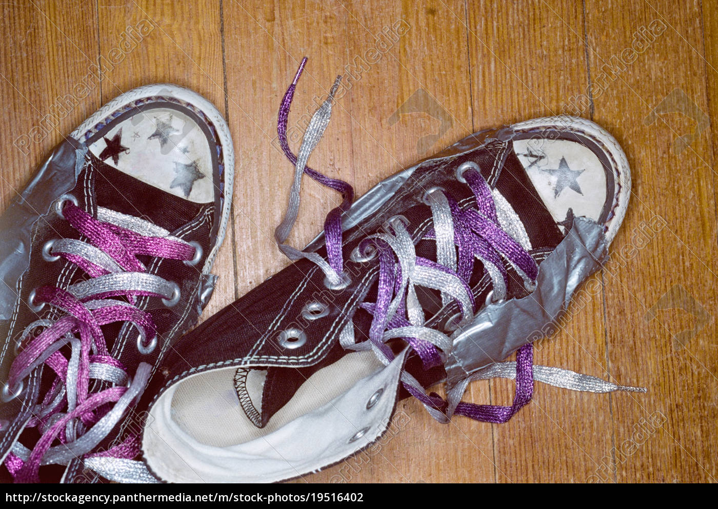 girl's, shoes, with, metallic, laces - 19516402