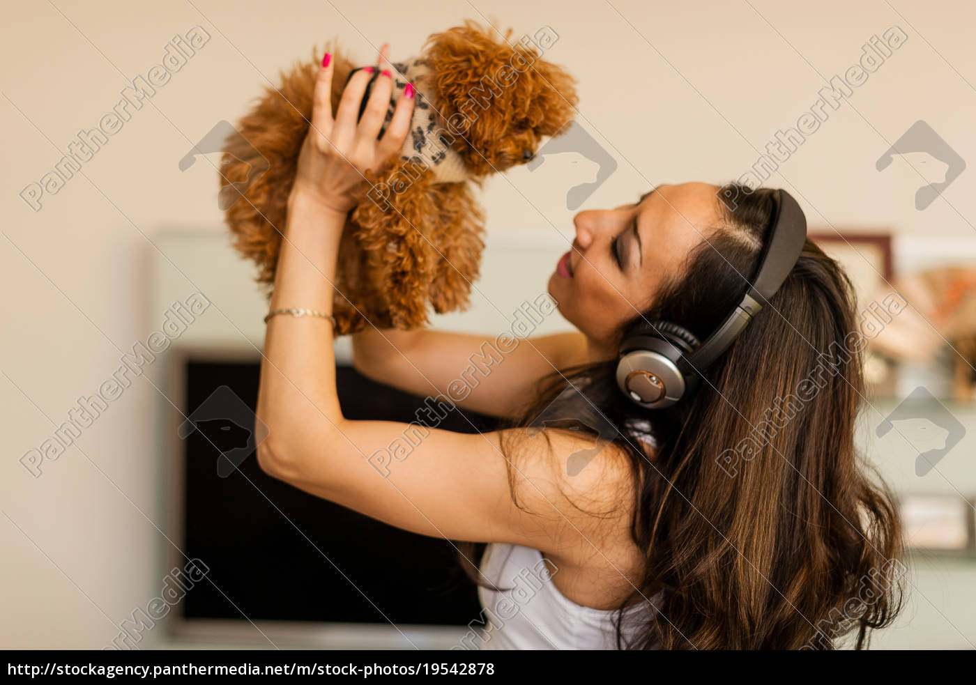 mid, adult, woman, wearing, headphones, and - 19542878