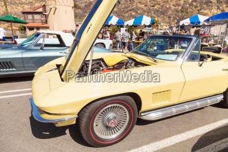 gelb 1967 chevrolet corvette