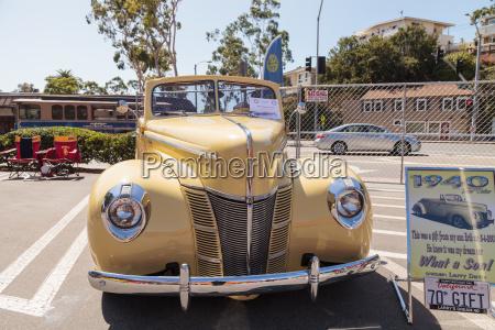 gelb 1940 ford deluxe cabrio