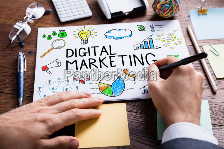 businessperson hand zeichnung digital marketing diagramm