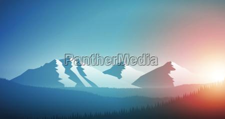sonnenaufgang in der bergkette