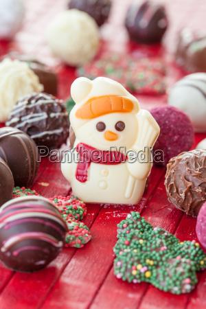 bunte schokoladen zu weihnachten