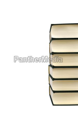 stapel von hardcover buecher isoliert auf