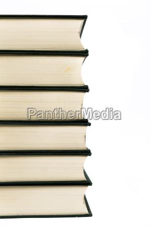 stapel von hardcover buecher isoliert mit