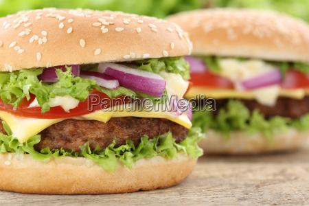 cheeseburger hamburger burger closeup nahaufnahme fleisch