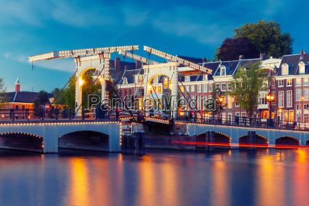 magere brug skinny bridge amsterdam niederlande
