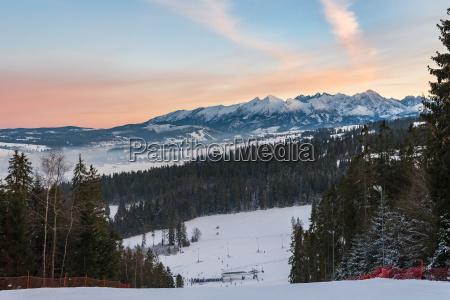 winterlandschaft der hohen tatra berge