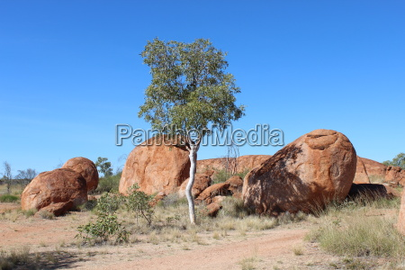 landscape at the devils marbles in