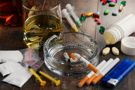 suchtmittel einschliesslich alkohol zigaretten und drogen