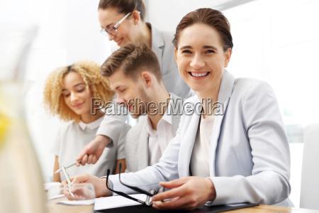 im business meeting portraet einer frau