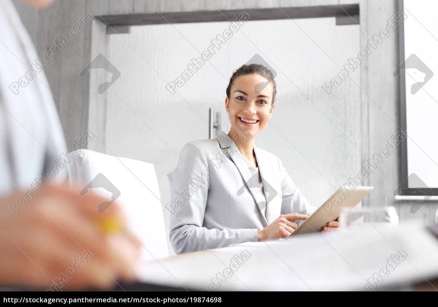 geschäftsfrau, im, büro., arbeiten, im, büro. - 19874698