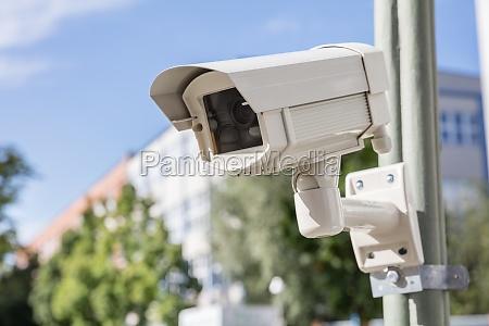 ueberwachungskamera auf der strasse
