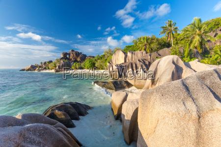 schoene anse source dargent tropischen strand