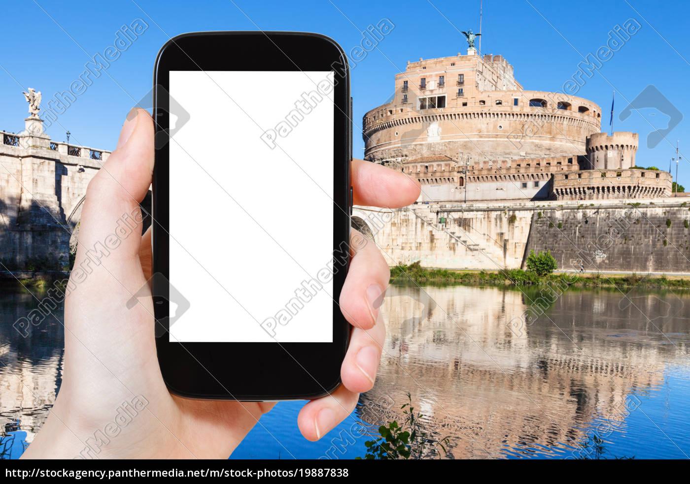 Stock Bild 19887838 Touristen Fotografieren Heilig Engels Schloss In Rom