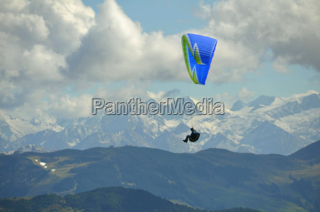 gleitschirm fliegen am wilden kaiser in