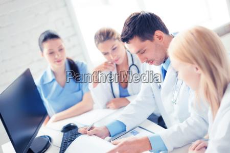 team oder gruppe von AErzten die