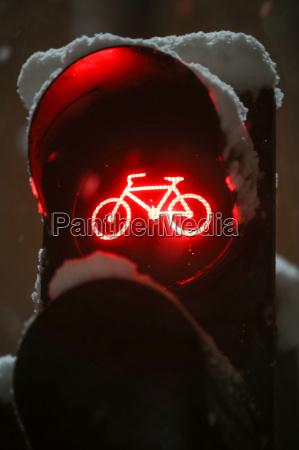 scoreboard showing red light