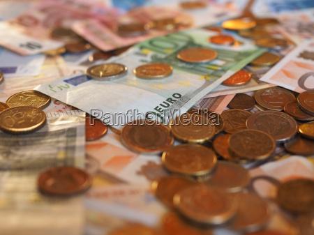 euro eur banknoten und muenzen europaeische
