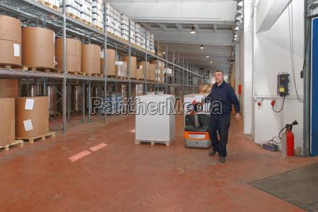 pallet truck loading