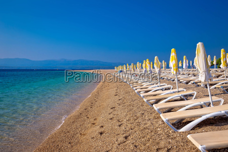 famous zlatni rat beach on brac