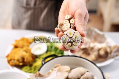 knoblauch in der vegetarischen kueche gesunde