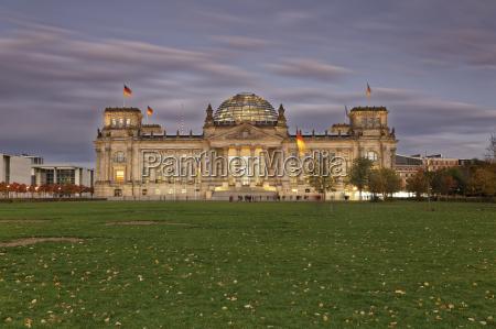 deutschland berlin berlin tiergarten reichstagsgebaeude