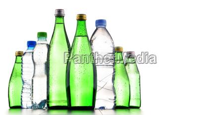 verschiedene arten von flaschen mineralwasser enthalten