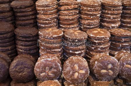 deutschland nuernberg lebkuchen am weihnachtsmarkt stall