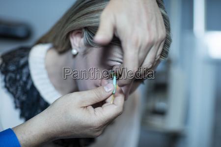 arzt mediziner medikus optiker test indoor